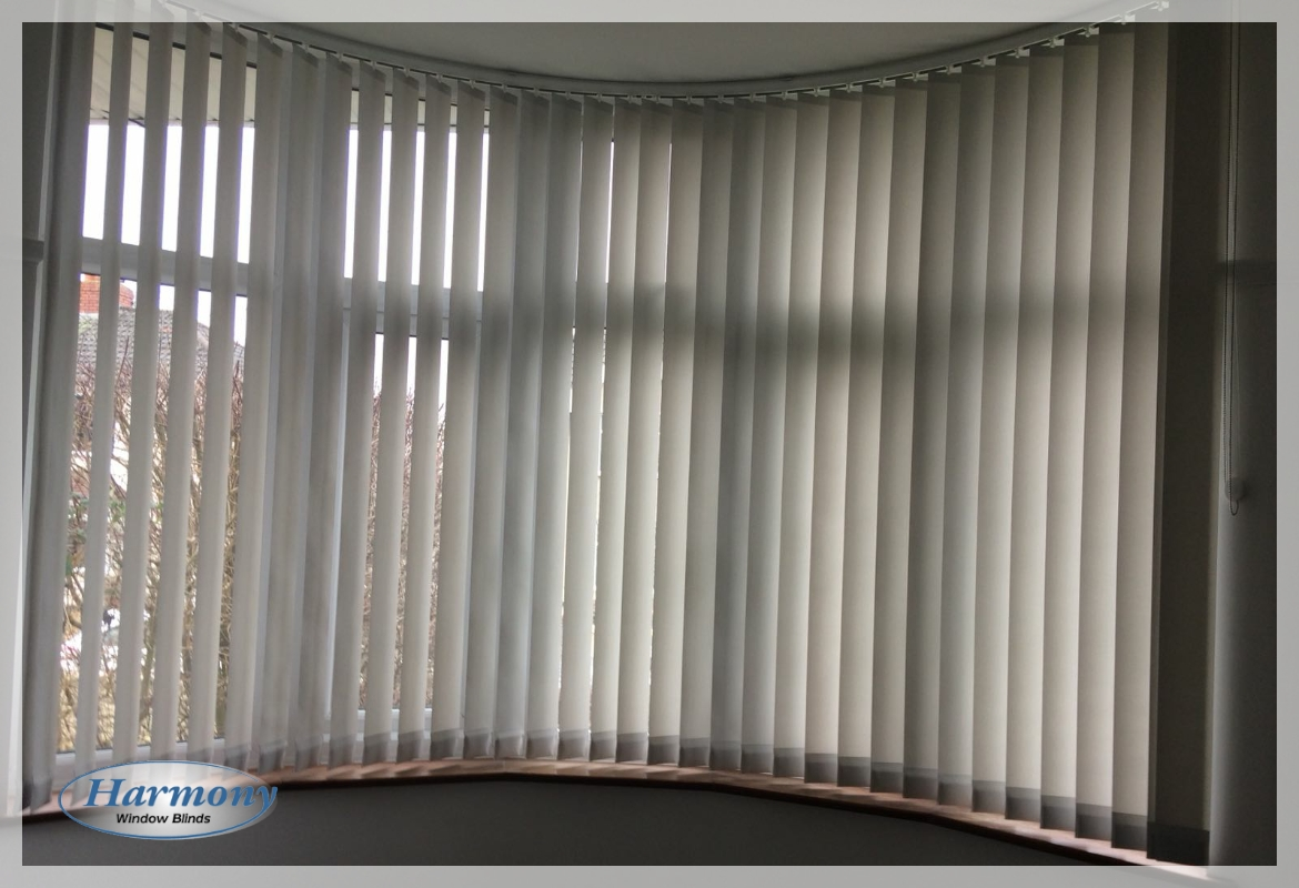 Vertical blind with curved track in bay window harmony for Curved bay window