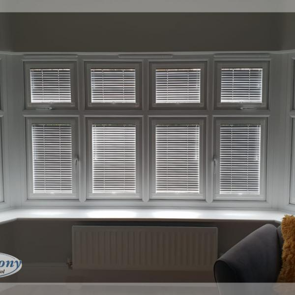 Bay Window Perfect Fit Venetian Blinds