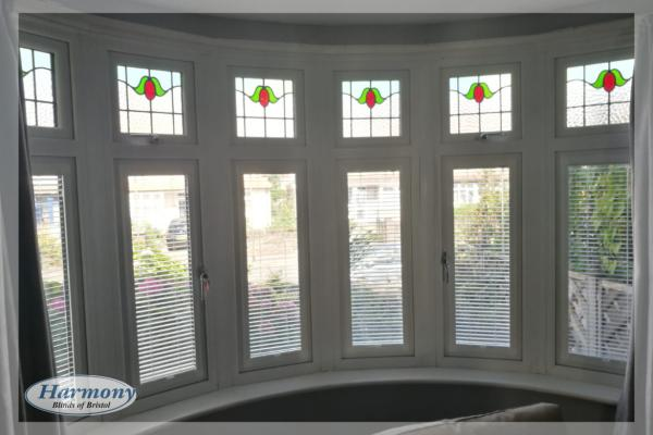 Cafe Style Perfect Fit Blinds in a Curved Bay Window