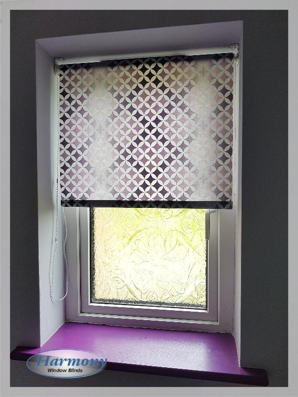 Roller Blind with purple geometrical pattern